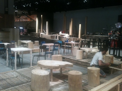 Location de mobilier en bois flotté pour le salon Who's Next à Paris