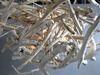 lustre en petit morceaux de bois flotté