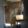 écorces de troncs de bouleaux dans un restaurant