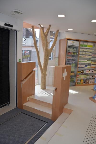 arbre en bois flotté pour une pharmacie # Bois Bandé En Pharmacie