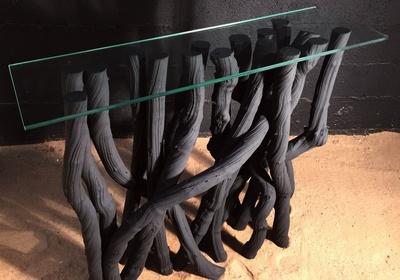 console en lianes peintes en noir