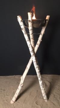 Flambeaux extérieurs en bois flotté ou troncs de bouleaux ou en lianes