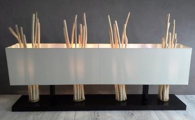 Lampe en bois écorcé couleur écru