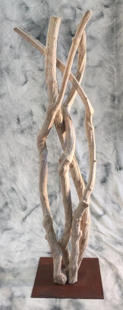 colonne de lianes guimauves sur socle acier rouillé